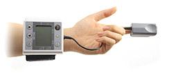 1台で血圧・脈拍数・血中酸素飽和度を測定できるWB-100